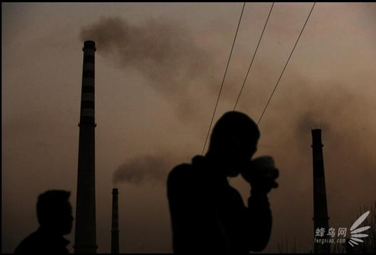 Pollution en Chine, une photo de Lu Guang (cliquez sur la photo pour en voir d'autres)