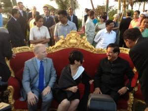Avec Élaine Zakaïb et le premier ministre du Maharashtra, Prithviraj Chavan, à la Fête de la République