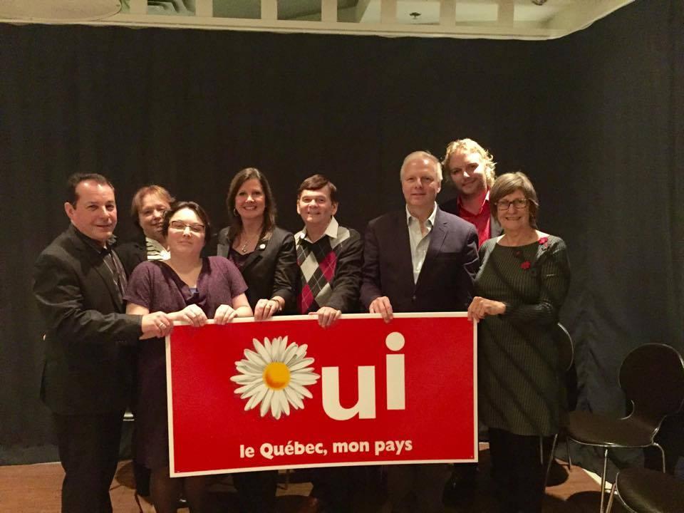 Avec les membres de l'exécutif. Crédit : Facebook du Parti québécois de Rosemont