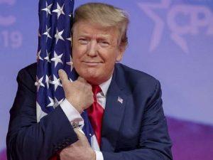 Donald Trump, drapeau américain